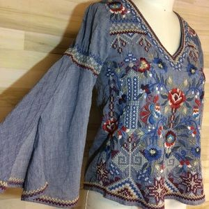 Johnny Was Ornate Bohdi Chambray Top w/Slit Sleeve